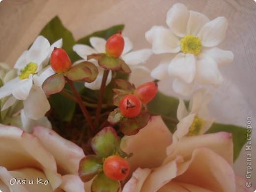 Представляю на Ваш суд свой новый букет из роз и хризантем. фото 9