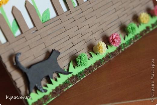 Попробовала сделать плетение из бумаги. Здесь, на странице есть мастер-класс по плетению корзины - http://www.supersadovnik.ru/hmforum/post.aspx?id=39229&pg=8 Я тоже попробовала, но решила, что у меня будет забор. фото 3