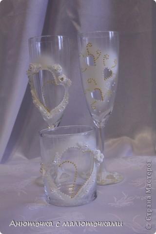 Здравствуйте! Нужен коллективный разум :) Делаю наборчик сестре на свадьбу. В перспективе обещают быть бутылки, бокалы, стаканчики и свечки (сундучок, подушечка для колец и корзинки для лепестков не в счёт) фото 10