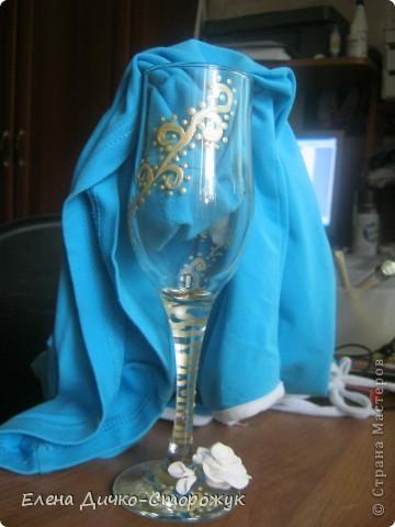 Мой первый фужер. Цветы сделаны из пластики Фимо софт и сварены в кипящей воде 1,5 минуты фото 3