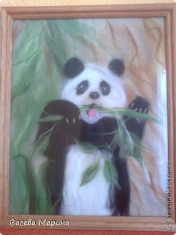 Эту панду я сделала после того как побывала в блоге Екатерины Буянковой, она профессионал в шерстяной акварели и делает потрясающие картины! Ее  панда и вдохновила меня на такие свершения))) фото 1