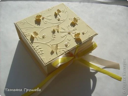Спасибо моей учительнице Тамарочке!  УРА.  Я наконец-то сделала свою первую коробочку.  Делала ее под чутким...