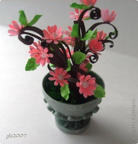 С благодарностью за вчерашнии комментарии. После добрых слов хочется сделать еще чего-нибудь и еще лучше :))) Сегодня скорее европейский парк - ваза с цветами неизвестного вида. фото 2