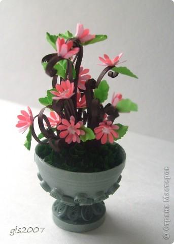 С благодарностью за вчерашнии комментарии. После добрых слов хочется сделать еще чего-нибудь и еще лучше :))) Сегодня скорее европейский парк - ваза с цветами неизвестного вида. фото 3