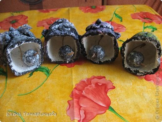 Вот такие колокольчики у меня получились из бумажной массы (яичные каретки и газеты). фото 12