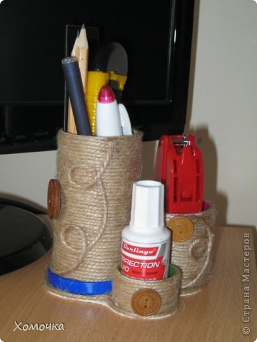Решила попробовать несколько предметов задекорировать с помощью шпагата. Это баночка из-под кофе (Нескафе, по-моему), она в середине немного вогнута). Сверху я еще задекупажила.  фото 5