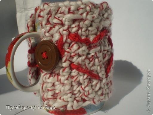 тёплый чехол на кружку...вязала в дождливую погоду и думала о том как уютно из такой чашки будет пить чай долгими зимними вечерами) фото 1