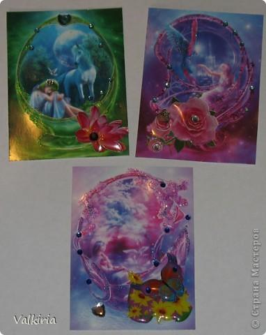 Были у меня фантазийные картинки, про которые я почему-то забыла, но вот они мне попались на глаза и захотелось сделать что-то, ну и конечно этим что-то стали АТСки :))  картинки украшены стразами, гелем и объемными цветами и бабочками  1 - Юле 2 - дома 3 - отложено фото 1