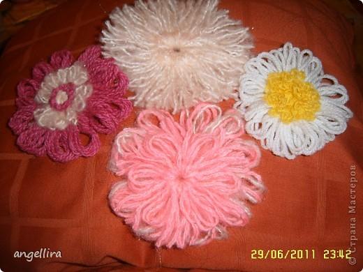 В последнее время мне очень захотелось научиться делать цветочки. Инструментов у меня  к сожалению нет, поэтому пользуюсь подручными средствами. Этот цветок из разных джинсовых тканей. Проба. фото 6