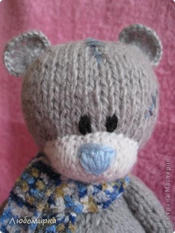 Увидела в интернете описание мишки Теддика связанного спицами (www.liveinternet.ru/users/tanyushkas/post156279397) и не смогла устоять..захотела себе такого же. связала на одном дыхании...вроде получился мишенька))) фото 4
