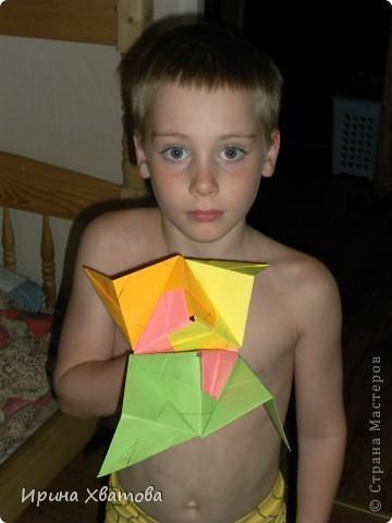 Работа сына. Плоховато видно. Но это 5 модулей Сонобе и получилась маска. Сыну нравиться, всем хвастается. фото 1