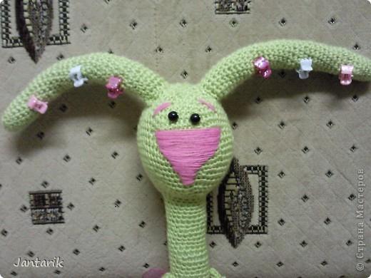 Увидела я у ЖаннаС кролей,смешных красавцев и захотелось мне связать и себе такого. Начала вязать крола,а получилась влюблённая Кроля. фото 4
