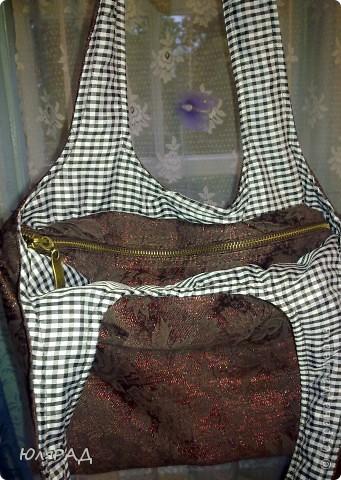 Моя первая сумочка))) Правда с подкладкой не угадала, как-то клеточка здесь не очень смотрится, но для первого раза пойдёт))))  Выкройку взяла здесь http://www.dublirin.com.ua/we_sew_maechka.html фото 5