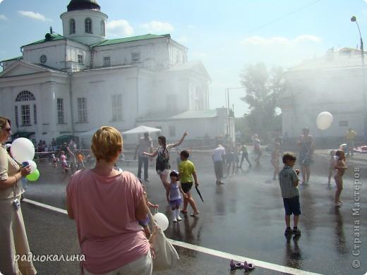 Шествие открывают исторические персонажи, которые напоминают о древности нашего города. 433 года - это возраст ! Но город молод и красив. фото 22