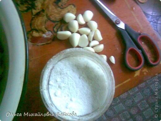 Вот педлагаю рецептик нашего сильдесона.С головы кабанчика обрезаем щёки и мясо ,и вся обрезь (ненужная для приготовления или для хранения)мясная и сальная.Делаем фарш-режем мелкими кусочками. фото 3
