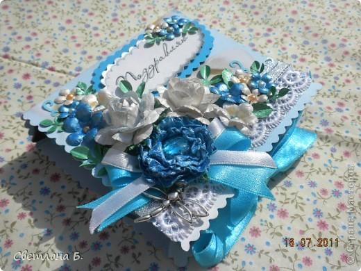 Всем привет! Вот, наконец, и я решилась сделать коробочку. Сделала по этому МК-  http://altered-art.blogspot.com/2011/07/6-express-challenge-6-origami-box.html . В Стране Мастеров есть несколько МК коробочек-оригами: http://stranamasterov.ru/node/151768  ; http://stranamasterov.ru/node/134778     .  На создание моей коробочки меня вдохновили девушки: Konfeta http://stranamasterov.ru/node/214589?c=favusers  и YuliaM  http://stranamasterov.ru/node/214143?c=favusers . Раньше я опасалась делать что-то в технике оригами, но напрасно, оказалось это совсем не сложно.  фото 2