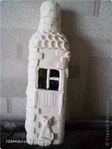Вот такой домик вылепился. Он ещё беленький. Это вход фото 3