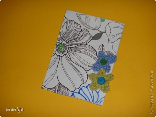 это просто беда какая-то. задумала простую серию - цветочный фон, украшалки и бабочек думала приклею. подобрала бабочек - не идут и все. вроде и цвет и размер - но лишие они тут. потом думала стрекоз квилинговых накрутить - опять не то... и как-то само собой связались крючком цветочки голубенькие - словно мои незабудки любимые.... просто они меня преследуют)))  так что и вышла выстраданная серия - назвала ее НЕ НЕЗАБУДКИ!!!!  кто из должников захочет таких цветов - с удовольствем отдам!!! так что и эта серия для раздачи долгов.  как и в прошлый раз - если нравится, то первыми выбирают - Некрасова Юлия, AnnaDemakova, Хамцова Полина, собачка ваши письма с атс уже получила :)  но так же числюсь в должниках у Бригантинки, Дарёнки, Юлии Кобяшовой, Сургутяночка-2, Диано44ки, Гимназистко, Настёныша, Хосефина  девочки кому еще должна - отзовитесь - я на работе записывала кому должна - а сейчас в отпуске... фото 7