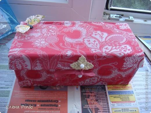 Добрый день мастерицы!!Вот решила запечатлить процесс создания коробки для рукоделия. Никогда раньше подобного не делала, но результат не разочаровал!!очень буду рада если кому то пригодится мой опыт))) фото 10