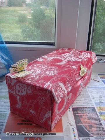 Добрый день мастерицы!!Вот решила запечатлить процесс создания коробки для рукоделия. Никогда раньше подобного не делала, но результат не разочаровал!!очень буду рада если кому то пригодится мой опыт))) фото 11