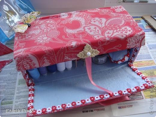 Добрый день мастерицы!!Вот решила запечатлить процесс создания коробки для рукоделия. Никогда раньше подобного не делала, но результат не разочаровал!!очень буду рада если кому то пригодится мой опыт))) фото 12