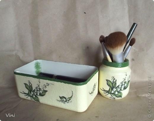 Сотворился такой комплект: баночка для кистей и коробочка для каждодневной косметики. фото 1