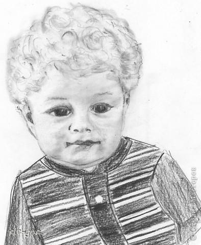 нашла в альбоме фотографию маленького мужа и не удержалась  руки сами потянулись к карандашу фото 1