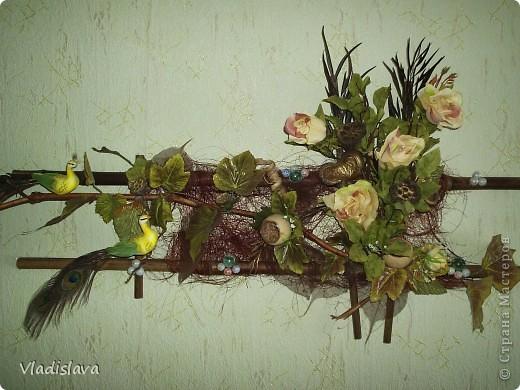 ту использован бамбук, виноградная лоза...сухоцвет, сизаль, искусственные цветы, бусины и др. природный материал.
