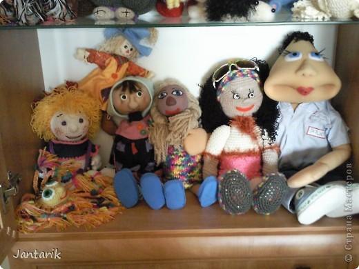 Сегодня прибыл многострадальный шкаф-дом,где и поселились все мои пока созданные куклы. фото 2