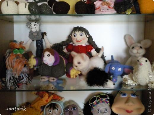 Сегодня прибыл многострадальный шкаф-дом,где и поселились все мои пока созданные куклы. фото 3