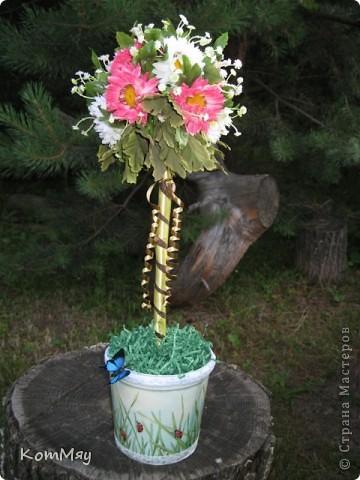 Вот такое деревце появилось у меня в эти выходные. Основой послужили искусственные цветы (3 маленьких букетика). фото 9