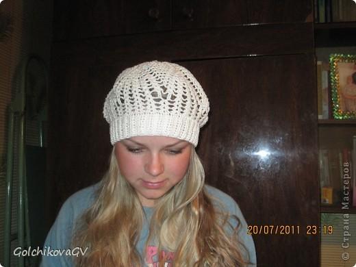 Нужно было срочно связать шапочку для девушки. Условие одно: резиночка 4,5 см. Ажур любой. фото 1