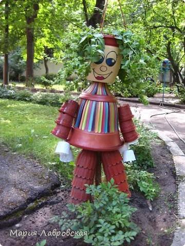 Человечек был сделан  для украшения площадки в Детском Саду. Немножко кривой, немного косой, но все-таки смешной.  фото 1
