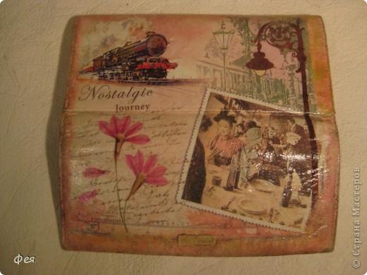 Сделала обложечку на паспорт , из той же салфетки , что и книгу , но на другом фоне:) Тту обложка на паспорт ещё без лака фото 11
