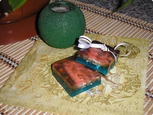 МЫЛО-ВАРЕНЬЕ на кухне - мои первые мыльные фантазии! роза с лепестками внутри, зеленое с люфой, а полосатенькое - океанский бриз))) фото 4