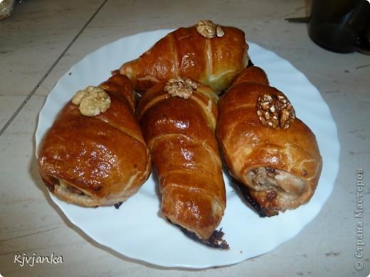 голень цыпленка в слоеном тесте фаршированная грецким орехом фото 1