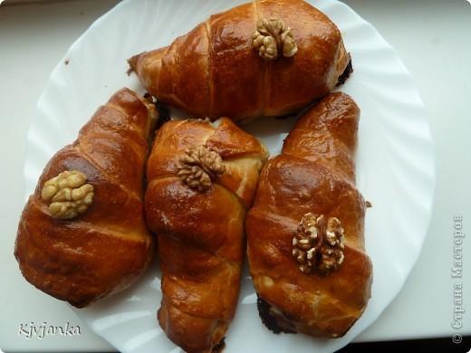 голень цыпленка в слоеном тесте фаршированная грецким орехом фото 2