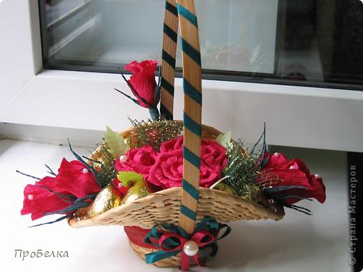 Новые подарочные корзиночки с цветами и конфетами. фото 6