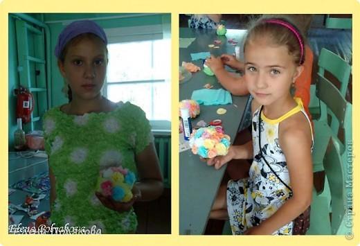 Продолжаем работу с салфетками. На этот раз предложила детям сделать вот такие горшочки с цветами. Первым учился, конечно, мой сын :))), а на следующий день дети в лагере. фото 4