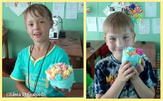 Продолжаем работу с салфетками. На этот раз предложила детям сделать вот такие горшочки с цветами. Первым учился, конечно, мой сын :))), а на следующий день дети в лагере. фото 2