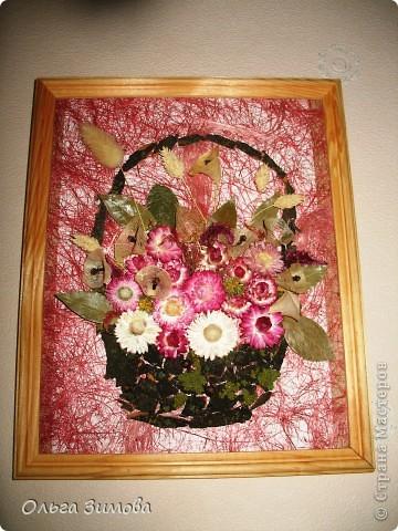 Если  есть в запасе сухоцветы всегда можно быстро сделать оригинальный подарок. Небольшое панно с цветами всегда будет приятно получить женщине. фото 2