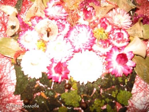 Если  есть в запасе сухоцветы всегда можно быстро сделать оригинальный подарок. Небольшое панно с цветами всегда будет приятно получить женщине. фото 4