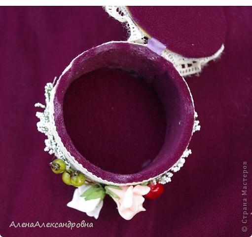 Пока была у мамы в гостях, сделала такую шкатулочку из бобины от скотча. МК http://scrap-info.ru/myarticles/article_storyid_425.html фото 5
