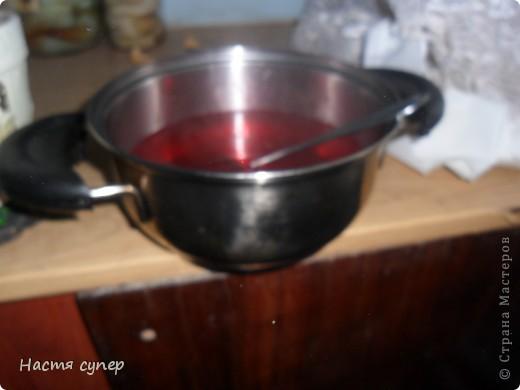 Здравствуйте всем.Сегодня я бы хотела показать мой рецепт трехслойного желе.Для начало нам понадобится: 4 пакетика желе(по 2 одинаковых), сметана,сахар,желатин. фото 8
