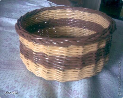 проба плетения крашенными трубочками фото 1