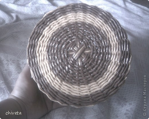 проба плетения крашенными трубочками фото 4