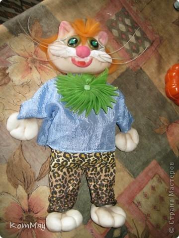 Привет всем жителям Страны Мастеров! Меня зовут Кот Леопольд. Сначала из меня хотели сделать Кота в Сапогах, но я решил, что это не моя сущность, поэтому уговорил сделать меня Леопольдом. Ну, как - похож? фото 7