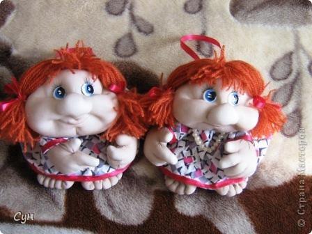 Мои первые куколки на удачу. Эта скромница - моя. Висит на самом видном месте, и пользуется уважением всей семьи. фото 5