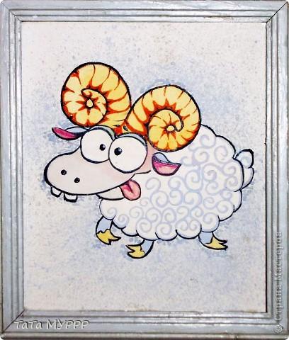 За лесом, у речки гуляют овечки и шерсть у овечек в забавных колечках.... фото 1