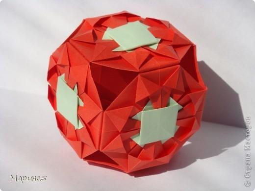Всем здравствуйте! Эти кусудамы из книги Origami Kusudama - Tomoko Fuse. фото 4
